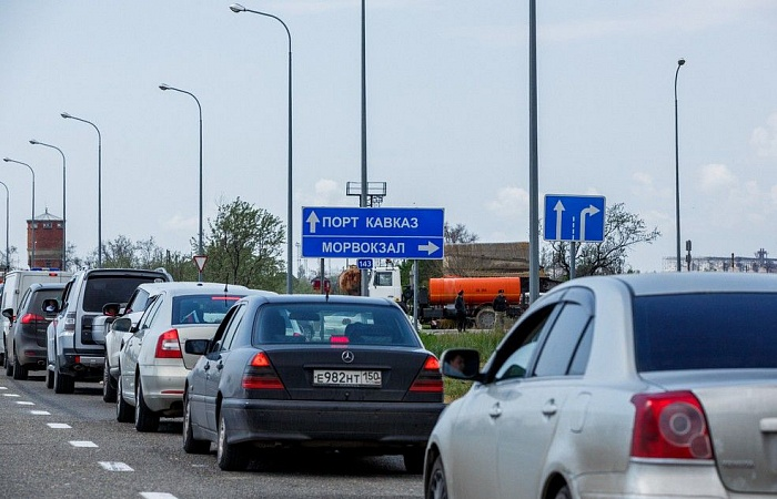 Moscow to Help Crimean Highway Get Rid of Jams